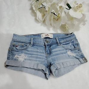 Holliester Short